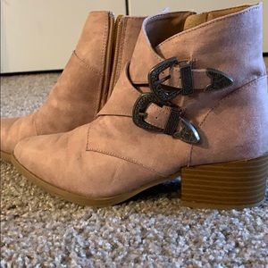 Qupid pink ancles booties